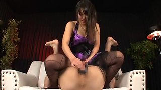 Japanese Nana Usami Using Dildos On Fellows