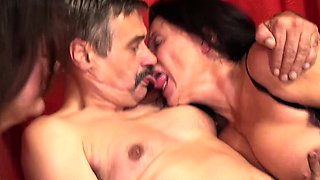 Grannies Gusti Tschopp and Zolitaire love foursome