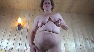Saggy boobs mom rubs her clit until her pussy is soaking wet