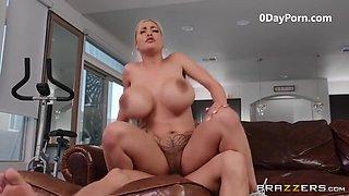 Bimbo Slut W/ Huge Tits Hardcore Sex