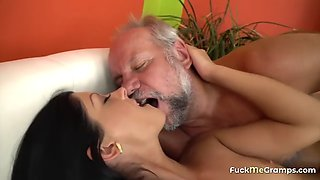 Horny daddy does the shallow pounding