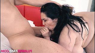Mature brazilian BBW fucks young cock