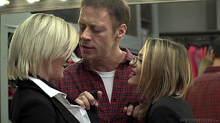 Rachel Adjani and Sienna Day get facials in a foursome