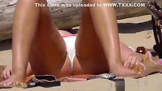 Bikini Cameltoe Milf Beach Voyeur HD Video