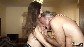 Teen deepthroat blowjob and cumshot from old man with thicc
