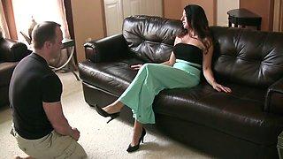 Mistress Pathi foot slave