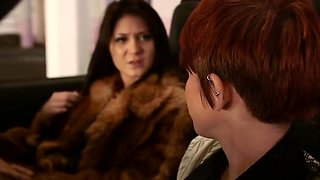 A junior brunette pay pleasure with a fur.