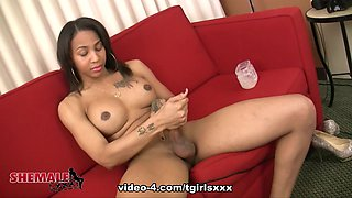 Stunning Megan Snow Jacks Off - TGirlsXXX