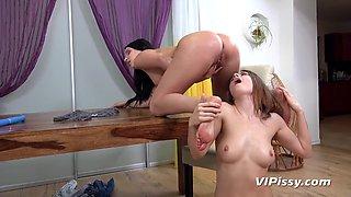 ViPissy - Camilla Moon - Lucia Denvile - Camilla Moon L