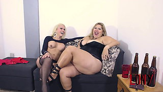 BBW Samantha Schimdt & Lohanny Brandao in Pay for our beer