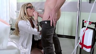 Hot charming babe fools around with bald mentor in the lab