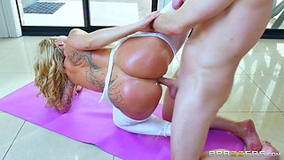 Ryan Conner & Bill Bailey in Downward Doggystyle - Brazzers