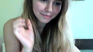 amateur innocent doll1 fingering herself on live webcam