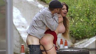 Tittied whore and her fucker have fun in the fresh air