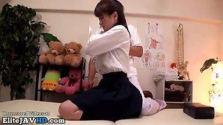Jav masseuse cant resist to 18yo schoolgirl