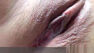 Asian Filipina Hooker Gets Finger Fuck