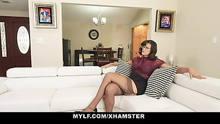 MYLF - Milf Having Phone Sex Makes Herself Orgasm