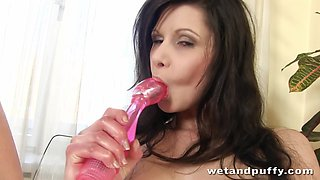 WetAndPuffy Video: Mazy Teen