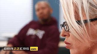 Lucky Student Ricky Johnson Fucks Alura Jenson's Pussy