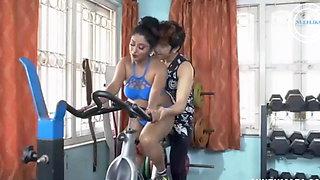 indian moti ldki ko gym me parsnal trainer ne choda