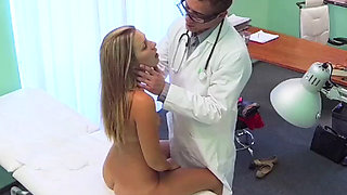Doctor gives creampie
