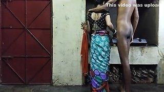 Padoshi Bhabi Ne Bina Condom Pe Chuda Or Mal Undar Dala