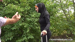 Muslim girl gives pussy for taxi ride